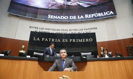 VÍCTOR FUENTES Y TATIANA CLOUTHIER LLEVAN AL CONGRESO PROPUESTA DE REGULACIÓN
