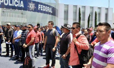 POLICÍAS FEDERALES BUSCAN ACUERDOS CON EL GOBIERNO