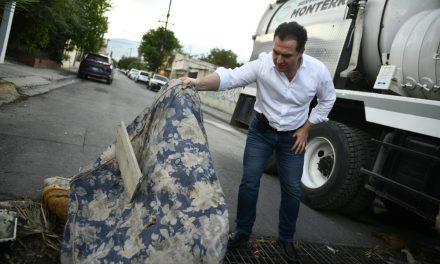 EL GOBIERNO DE MONTERREY REALIZA LIMPIEZAS DE ALCANTARILLAS PARA EVITAR INUNDACIONES EN EL MUNICIPIO.