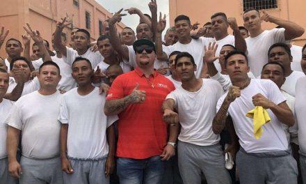 LLEGA PESO PESADO AL PENAL DEL TOPO: ANDY RUIZ DA CLASE DE VIDA
