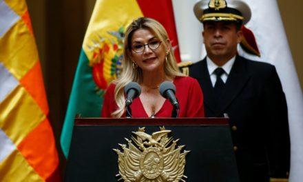 México mantendrá protección a bolivianos asilados