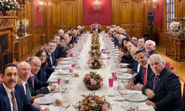 LÓPEZ OBRADOR SE REÚNE CON GOBERNADORES PARA REVISIÓN DEL INSABI
