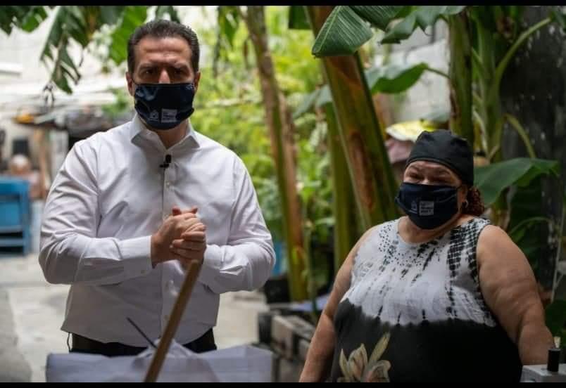 ADRIAN DE LA GARZA CUMPLE META DE ENTREGAR UN MILLON DE CUBREBOCAS EN EL MUNICIPIO DE MONTERREY