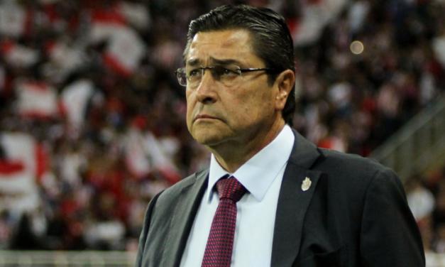 NO LE TUVIERON PACIENCIA; LUIS FERNANDO TENA DEJA DE SER ENTRENADOR DE LAS CHIVAS DEL GUADALAJARA
