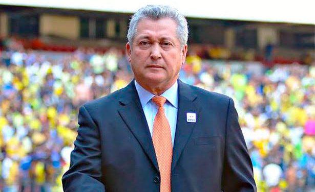 VICTOR MANUEL VUCETICH SE VUELVE A PINTAR DE RAYAS PERO AHORA COMO CHIVA.