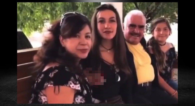 ROMPE EL SILENCIO FANÁTICA ACOSADA POR VICENTE FERNÁNDEZ Y MANIFIESTA SU TRISTEZA